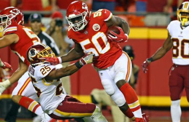 Justin Houston scores on last play of game giving Kanas City cover as 7-point chalk