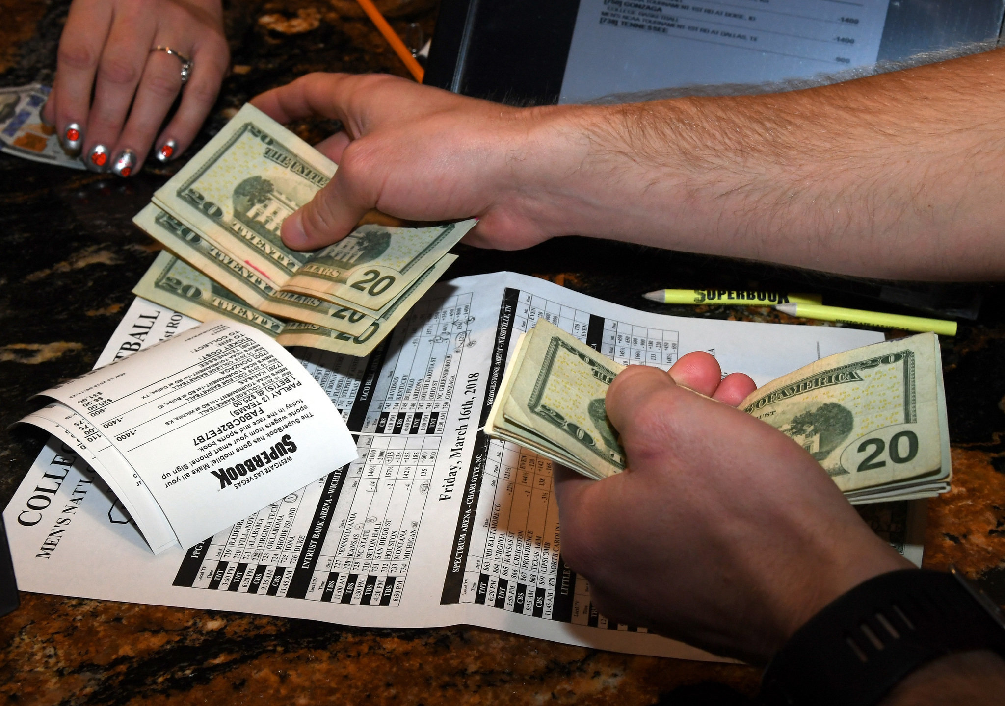 sportsbook report las vegas nevada football betting