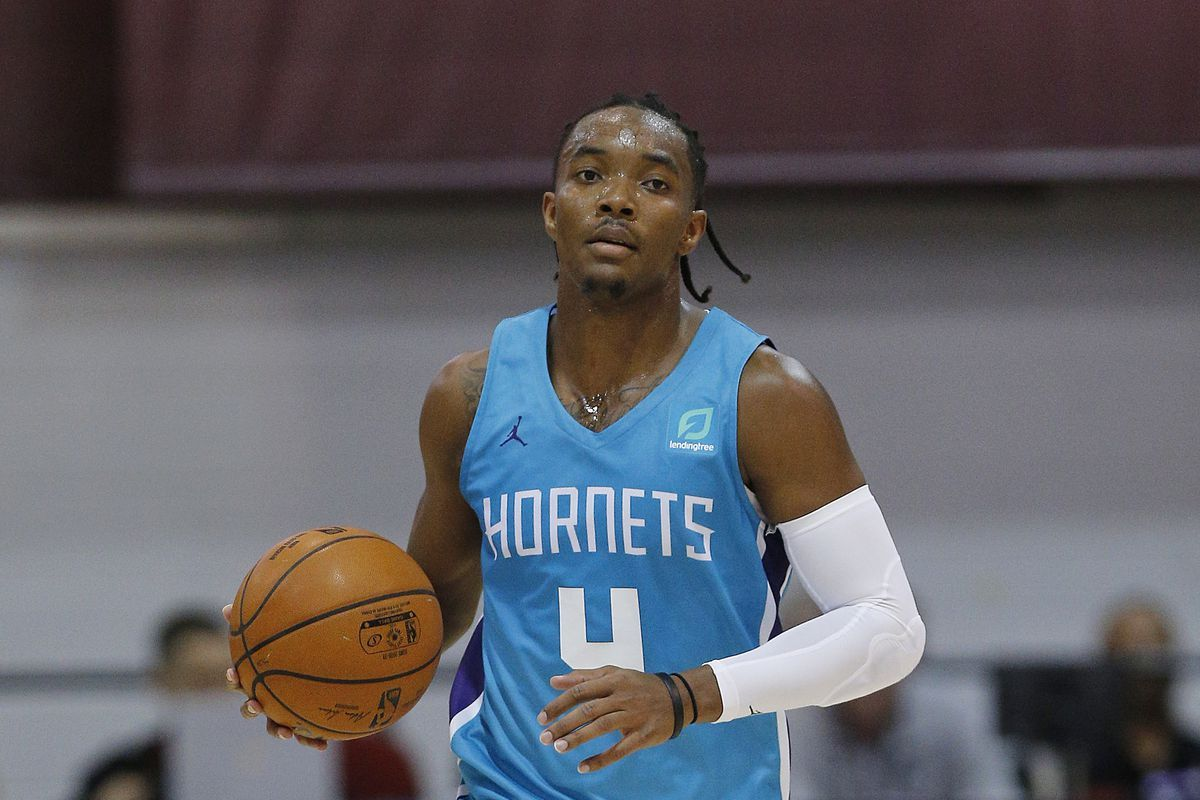 Graham of the Hornets in three point contest