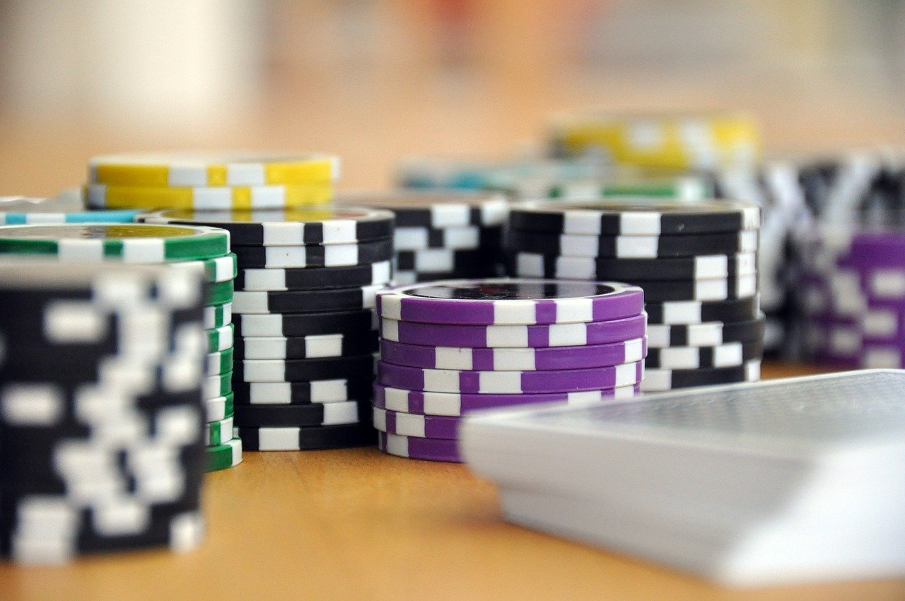 sports betting vs casino